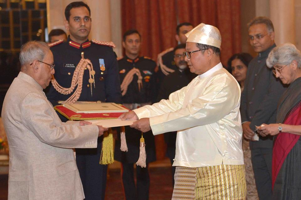 Presenting the Letters of Credence of Ambassador